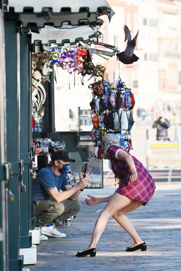 Pom Klementieff with Simon Pegg seen making videos with her mobile phone in Venice 06
