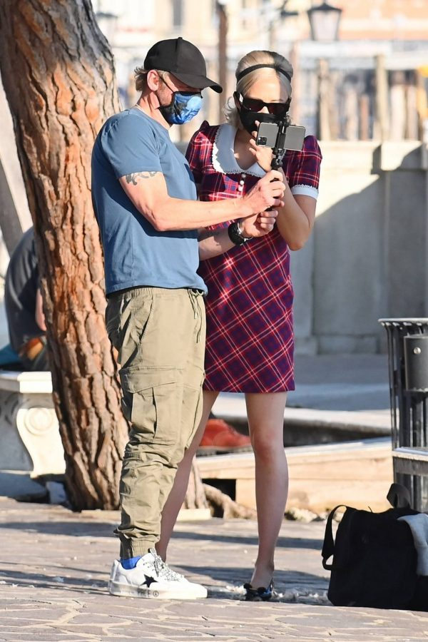 Pom Klementieff with Simon Pegg seen making videos with her mobile phone in Venice 12