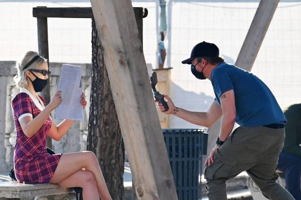 Pom Klementieff with Simon Pegg seen making videos with her mobile phone in Venice 15