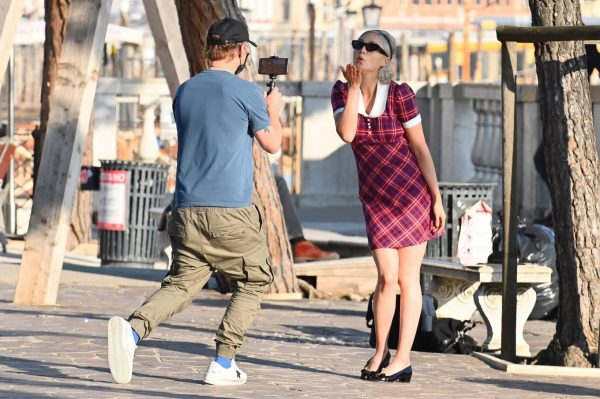 Pom Klementieff with Simon Pegg seen making videos with her mobile phone in Venice 18