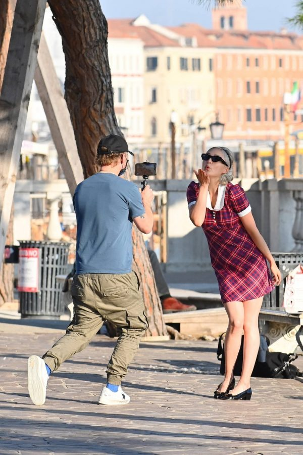Pom Klementieff with Simon Pegg seen making videos with her mobile phone in Venice 23