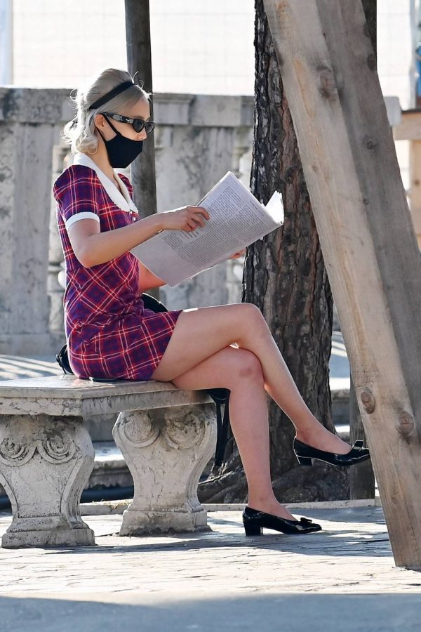 Pom Klementieff with Simon Pegg seen making videos with her mobile phone in Venice 28