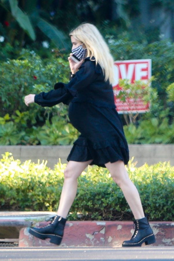 Pregnant Emma Roberts Seen while out in Los Angeles 06