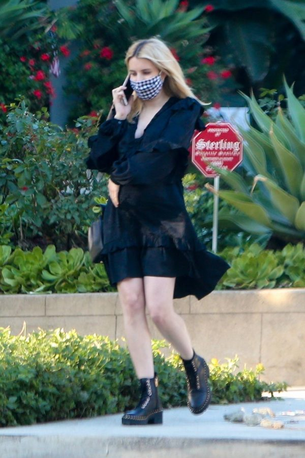 Pregnant Emma Roberts Seen while out in Los Angeles 13