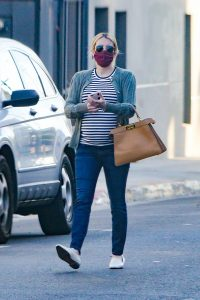 Pregnant Emma Roberts Shopping candids in Los Angeles 02
