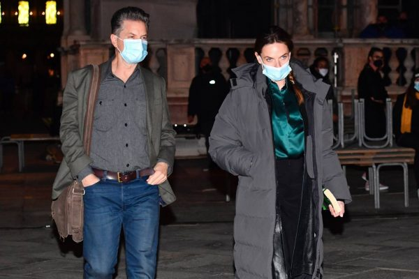 Rebecca Ferguson Filming a night shoot for Mission Impossible 7 in Piazza San Marco 03