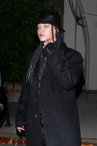 Rihanna Out in Santa Monica 15