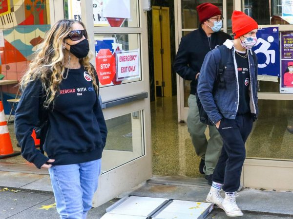 Sarah Jessica Parker Voted at a location in Downtown Manhattan 01