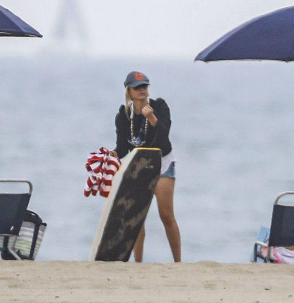 Sarah Michelle Gellar Pictured on the beach in Malibu 01