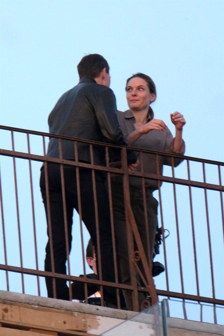 Tom Cruise and Rebecca Ferguson Mission Impossible 7 set in Venice 02