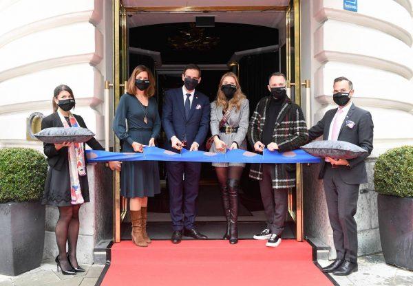 Victoria Swarovski Hotel Mandarin Oriental Munchen Opening in Munich 02