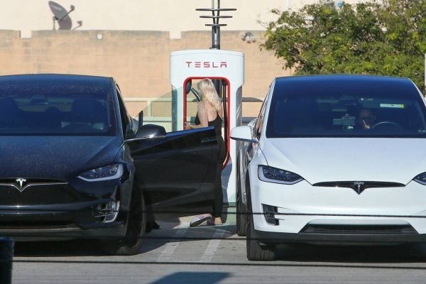 Ariel Winter Charge car at the Tesla Charging Station in Burbank 01
