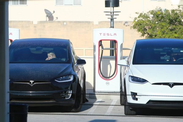Ariel Winter Charge car at the Tesla Charging Station in Burbank 04