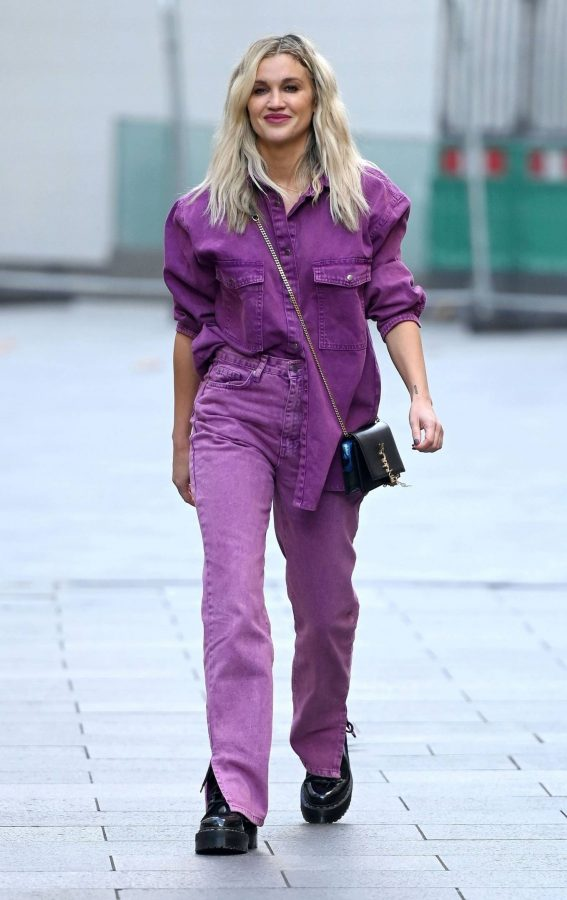 Ashley Roberts Seen after the Heart Radio Breakfast Show in London 01