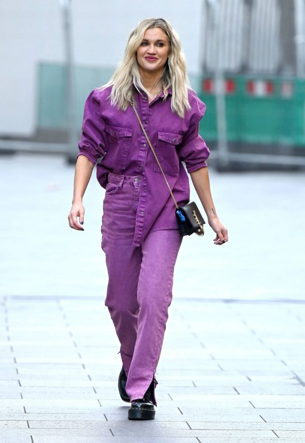 Ashley Roberts Seen after the Heart Radio Breakfast Show in London 04