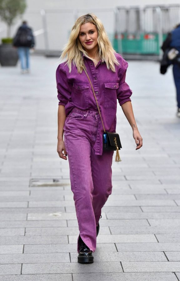 Ashley Roberts Seen after the Heart Radio Breakfast Show in London 09
