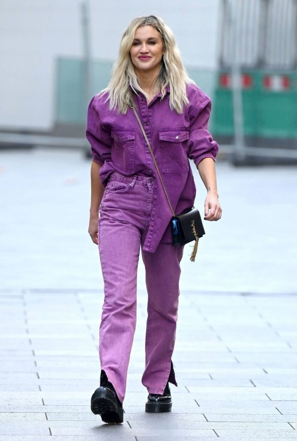 Ashley Roberts Seen after the Heart Radio Breakfast Show in London 10