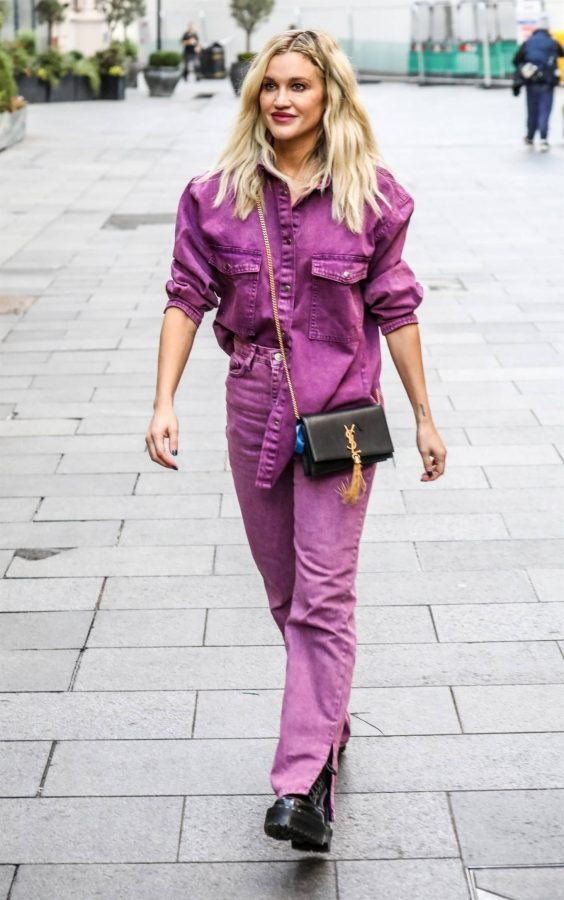 Ashley Roberts Seen after the Heart Radio Breakfast Show in London 14