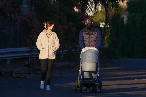 Chris Pratt and Katherine Schwarzenegger Out with their daughter in Santa Monica on a sunset 06
