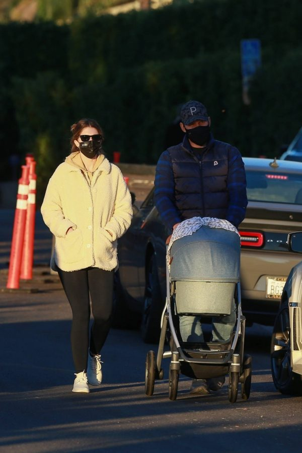 Chris Pratt and Katherine Schwarzenegger Out with their daughter in Santa Monica on a sunset 07