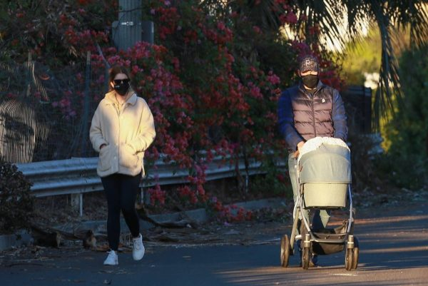 Chris Pratt and Katherine Schwarzenegger Out with their daughter in Santa Monica on a sunset 08