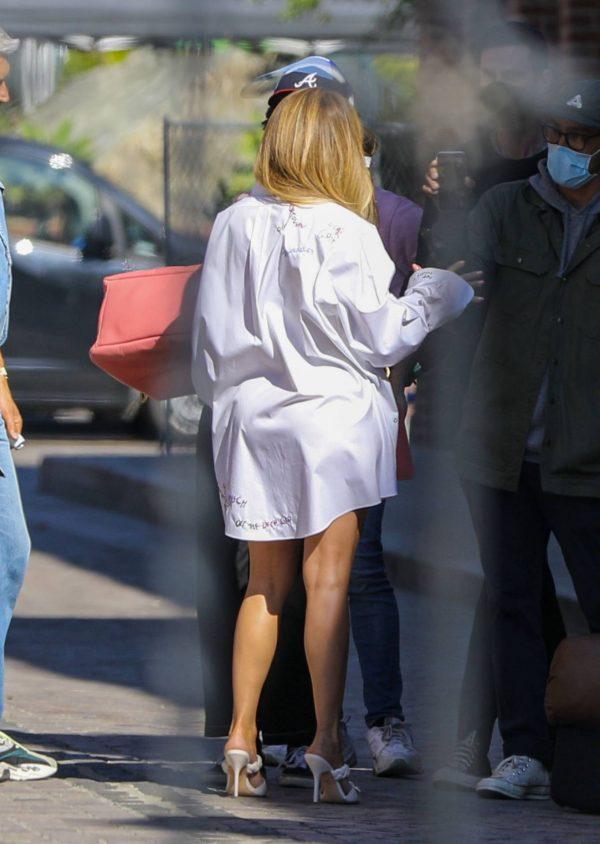 Jennifer Lopez Photoshoot Candids in Los Angeles 06