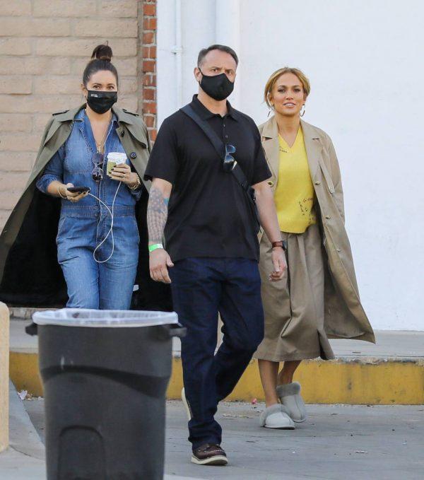 Jennifer Lopez Photoshoot Candids in Los Angeles 09