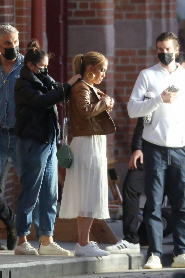 Jennifer Lopez Photoshoot Candids in Los Angeles 21
