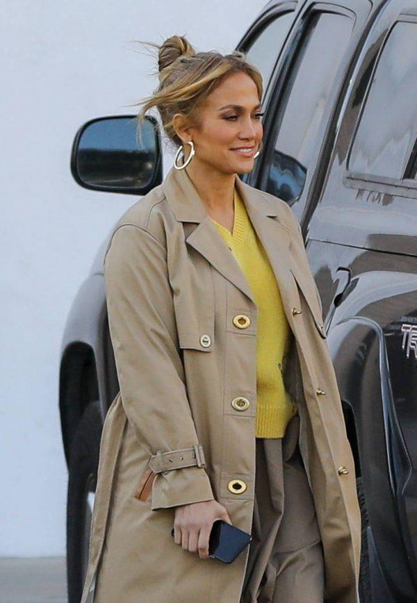 Jennifer Lopez Photoshoot Candids in Los Angeles 22