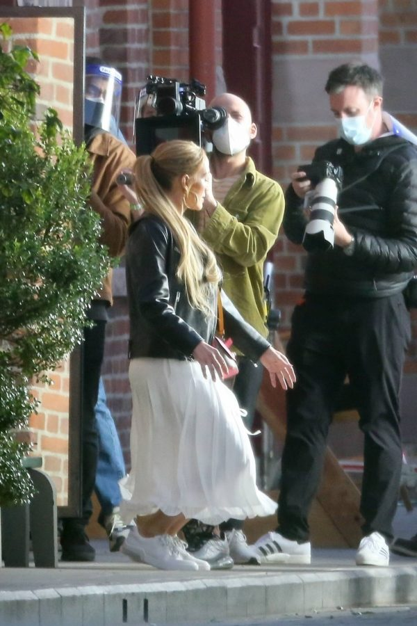 Jennifer Lopez Photoshoot Candids in Los Angeles 27