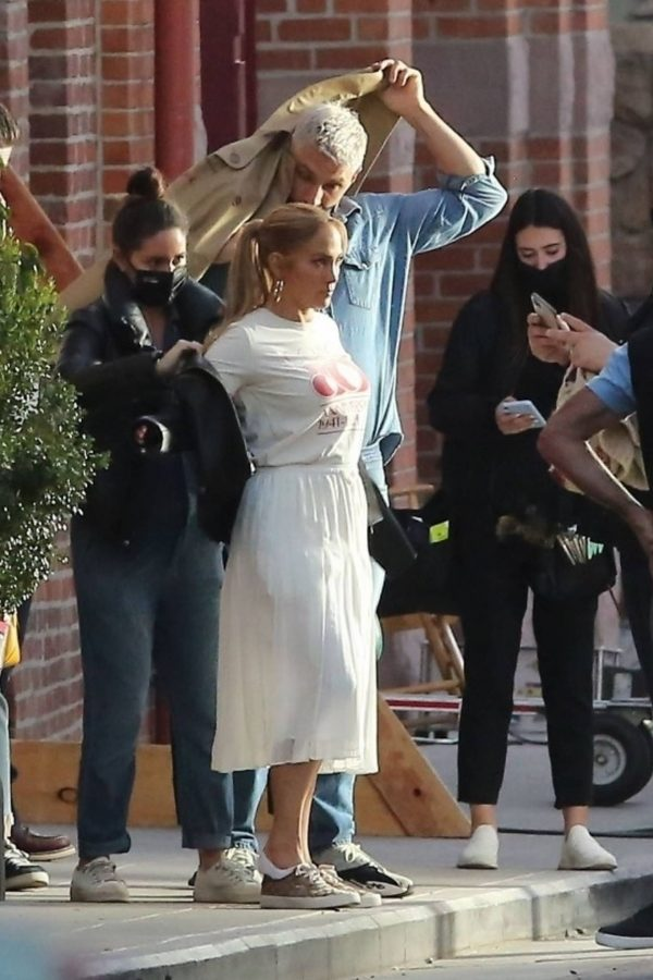 Jennifer Lopez Photoshoot Candids in Los Angeles 29