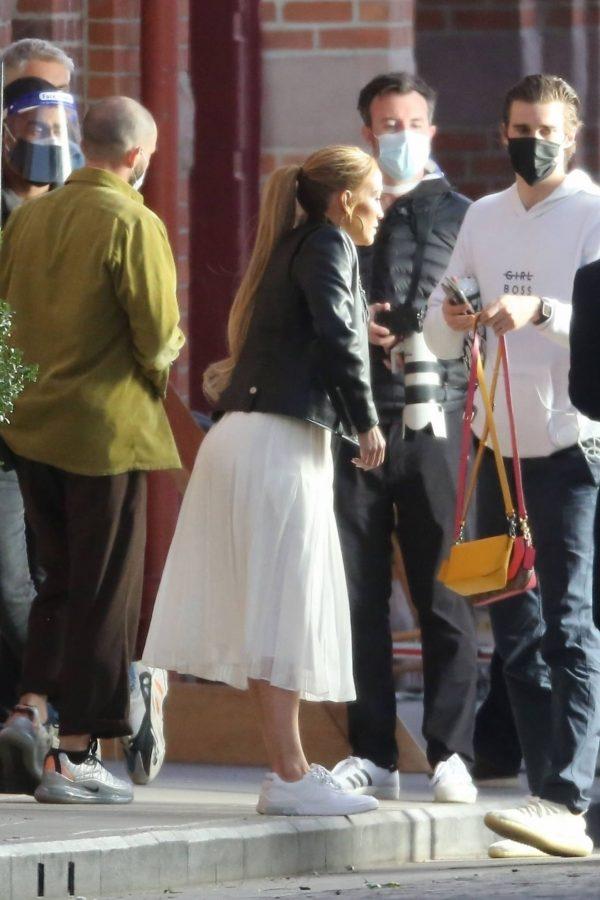 Jennifer Lopez Photoshoot Candids in Los Angeles 30