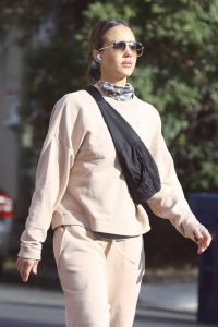 Jessica Alba out in Los Angeles 02