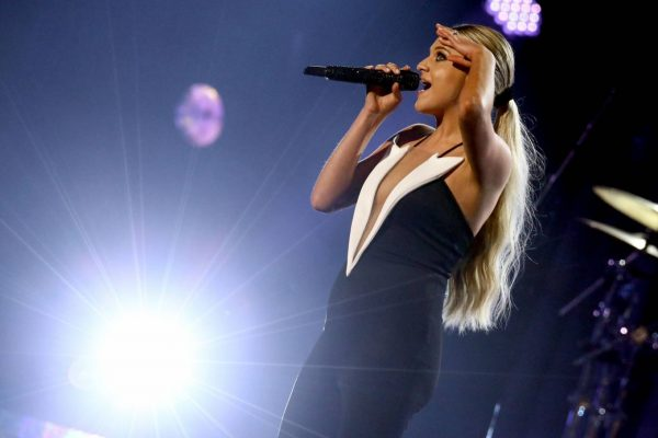 Kelsea Ballerini 2020 CMA Awards in Nashville 07