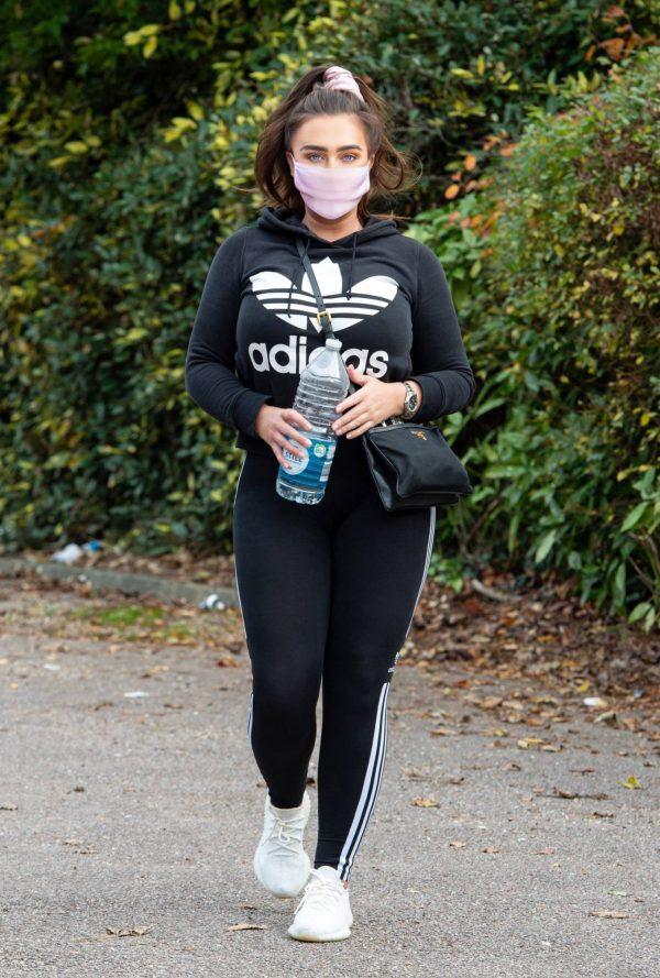 Lauren Goodger Look Sporty in Chigwell in Essex 02