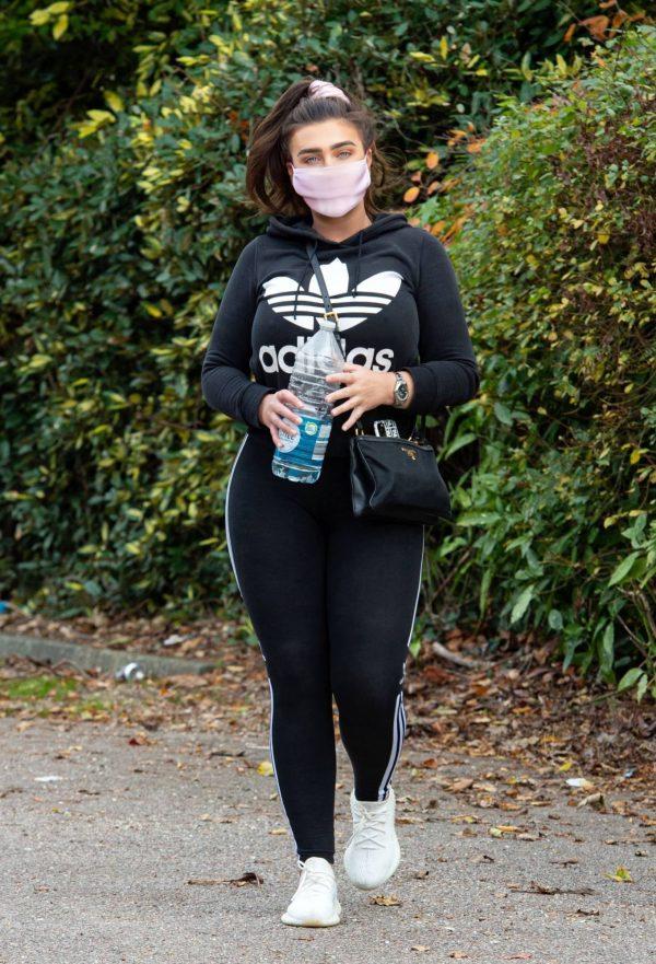Lauren Goodger Look Sporty in Chigwell in Essex 06