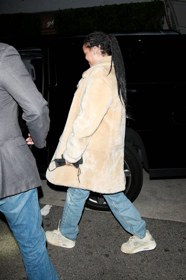 Rihanna Seen while exits Giorgio Baldi in Santa Monica 03