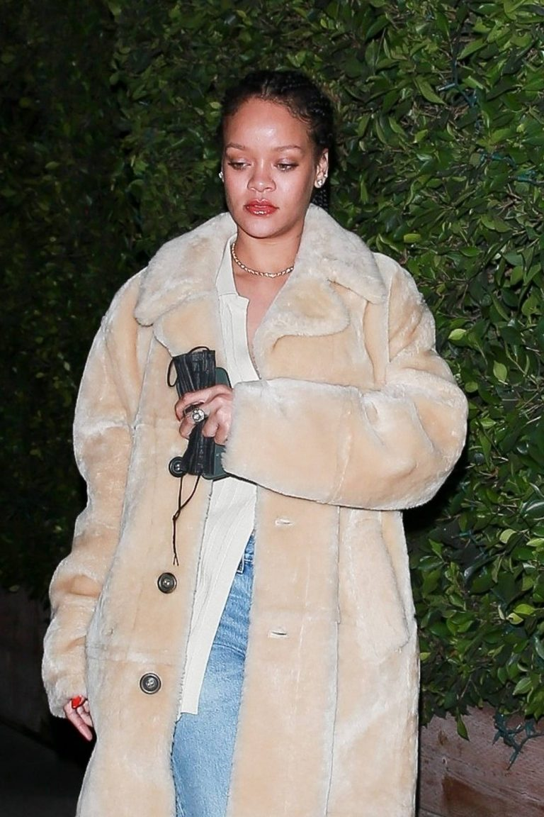 Rihanna Seen while exits Giorgio Baldi in Santa Monica 12