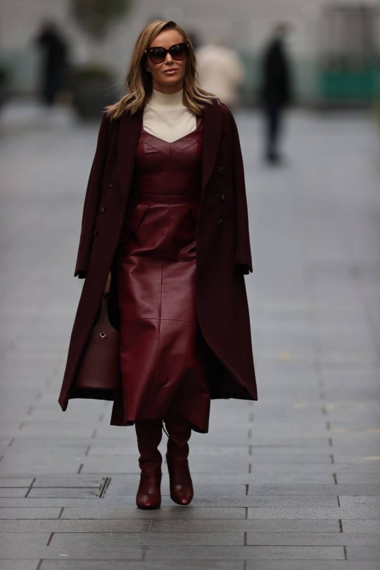 Amanda Holden Leaving Global Radio in London 09