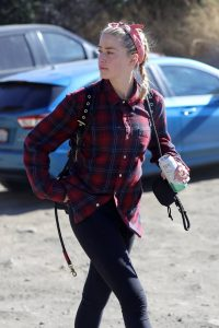 Amber Heard Spotted on a hike in Los Angeles 06