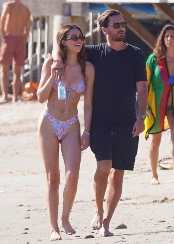 Amelia Hamlin In a bikini at the beach in Malibu 04