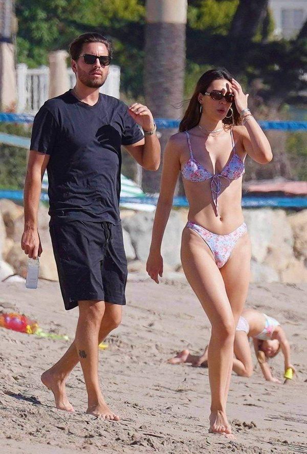 Amelia Hamlin In a bikini at the beach in Malibu 07