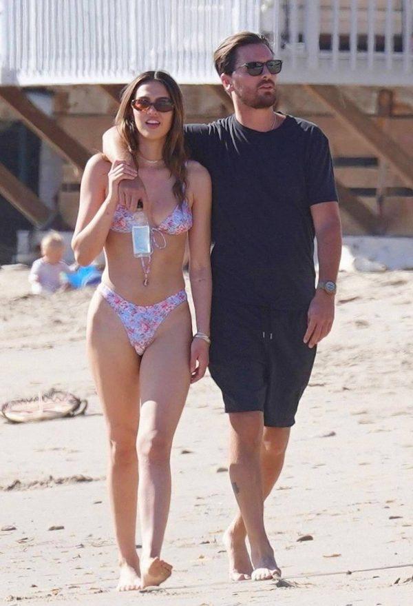 Amelia Hamlin In a bikini at the beach in Malibu 11