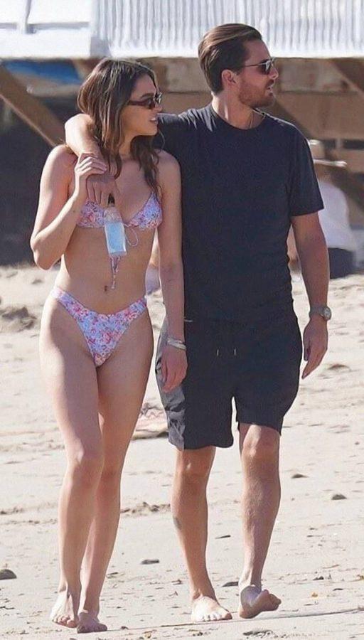 Amelia Hamlin In a bikini at the beach in Malibu 12