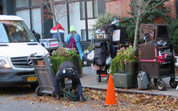 Emily Alyn Lind and Gossip Girl reboot cast members break for lunch in Manhattan 01