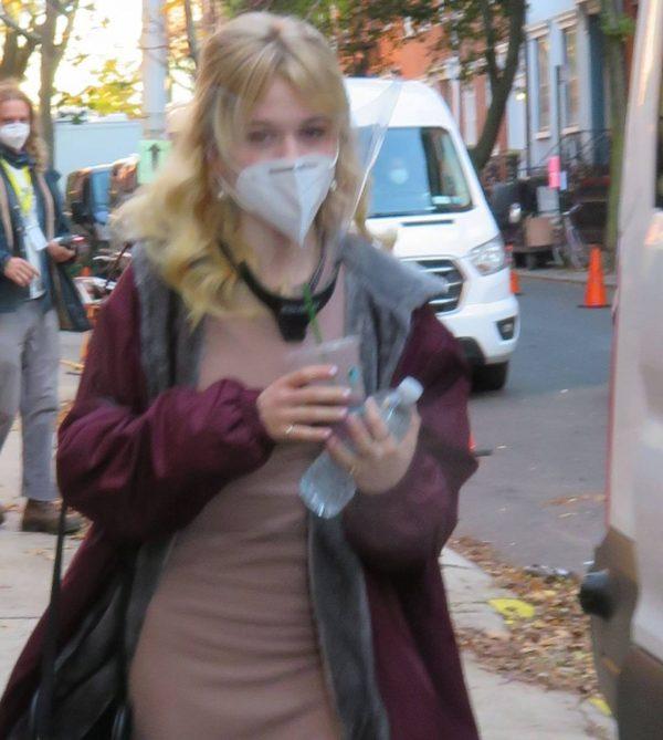 Emily Alyn Lind and Gossip Girl reboot cast members break for lunch in Manhattan 04