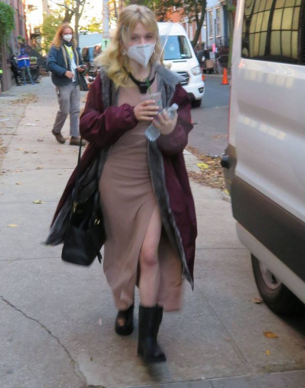 Emily Alyn Lind and Gossip Girl reboot cast members break for lunch in Manhattan 05