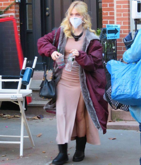 Emily Alyn Lind and Gossip Girl reboot cast members break for lunch in Manhattan 06