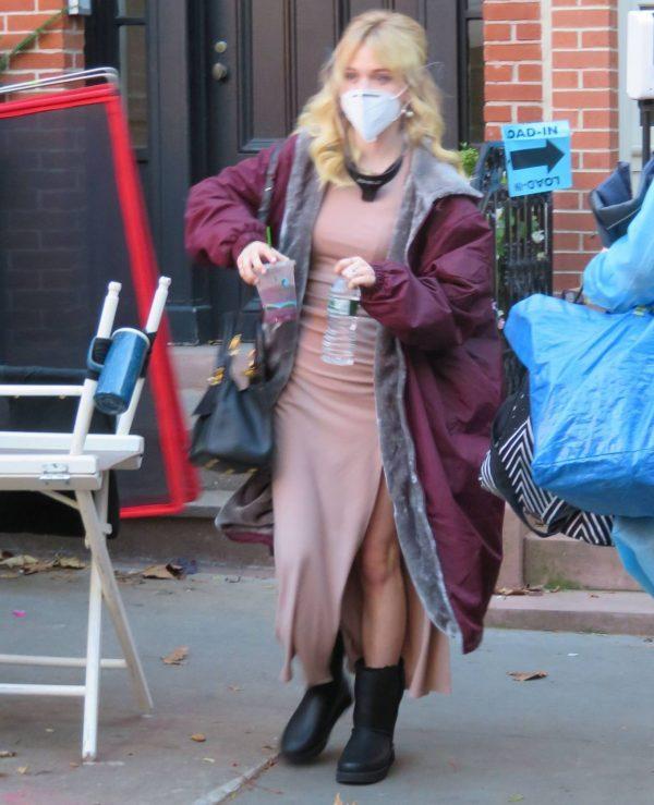 Emily Alyn Lind and Gossip Girl reboot cast members break for lunch in Manhattan 08