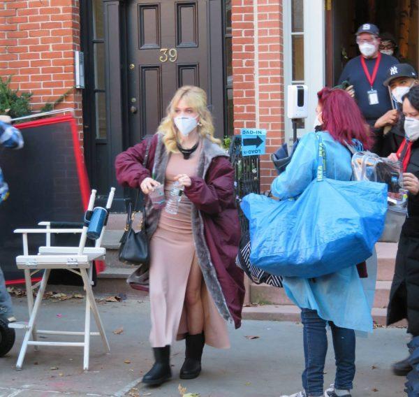 Emily Alyn Lind and Gossip Girl reboot cast members break for lunch in Manhattan 10